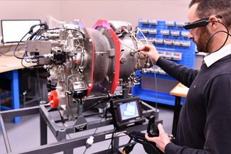 Expert link customers benefit from real-time assistance provided by Safran experts.